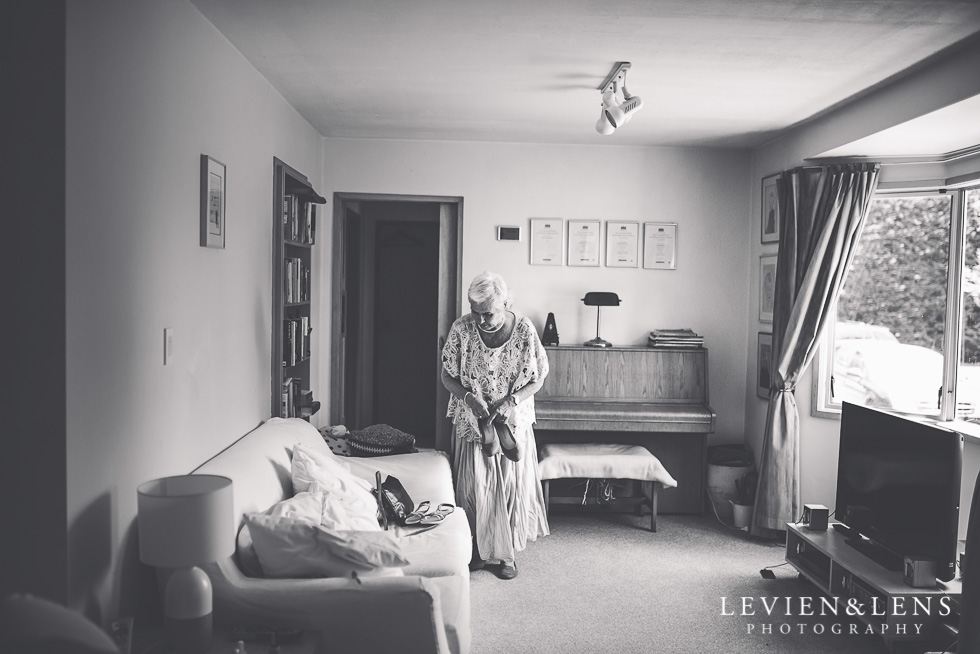grandmother getting ready {Tauranga wedding photographer}