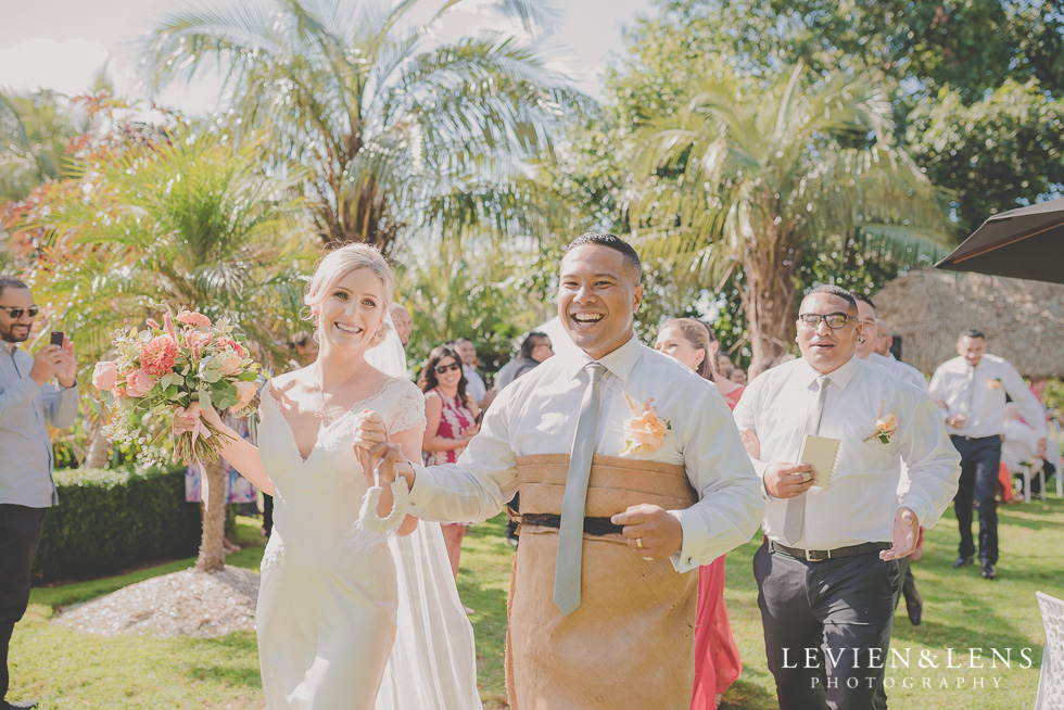 Wedding Anniversary - Landsendt Tropical Gardens wedding {Auckland weddings photographers}