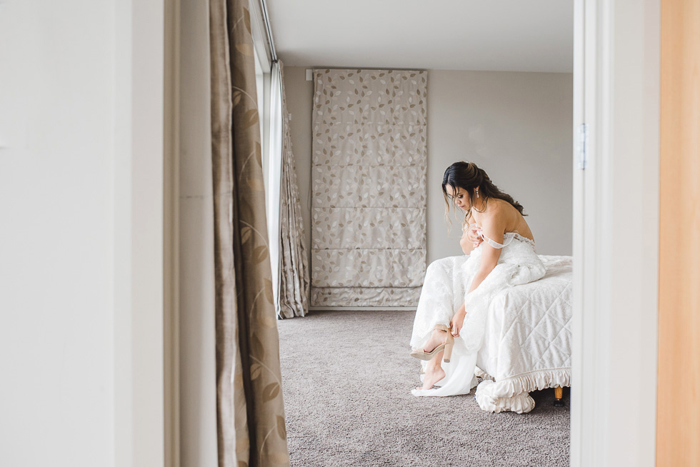 bride getting ready {New Zealand wedding photographer}
