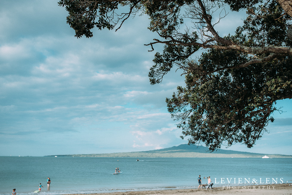 Beach wedding {Auckland - New Zealand destination weddings photographer}