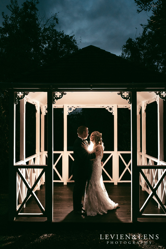 bride and groom in gazebo {Bracu - Auckland wedding photographer}