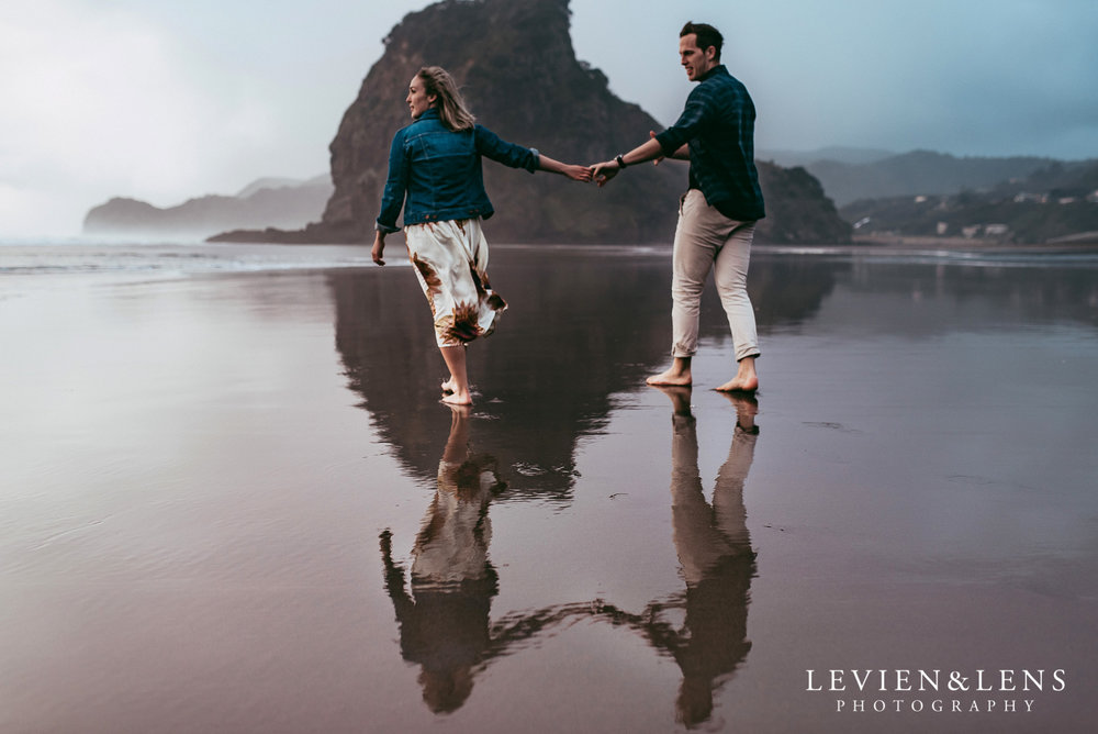 Piha beach pre-wedding engagement session {Auckland weddings photographers}