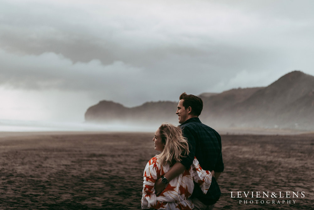 Piha beach pre-wedding engagement session {Auckland weddings photographer}