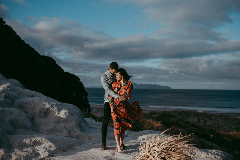 Mangawhai Heads Beach Engagement Session {Auckland New Zealand pre-wedding photographer}