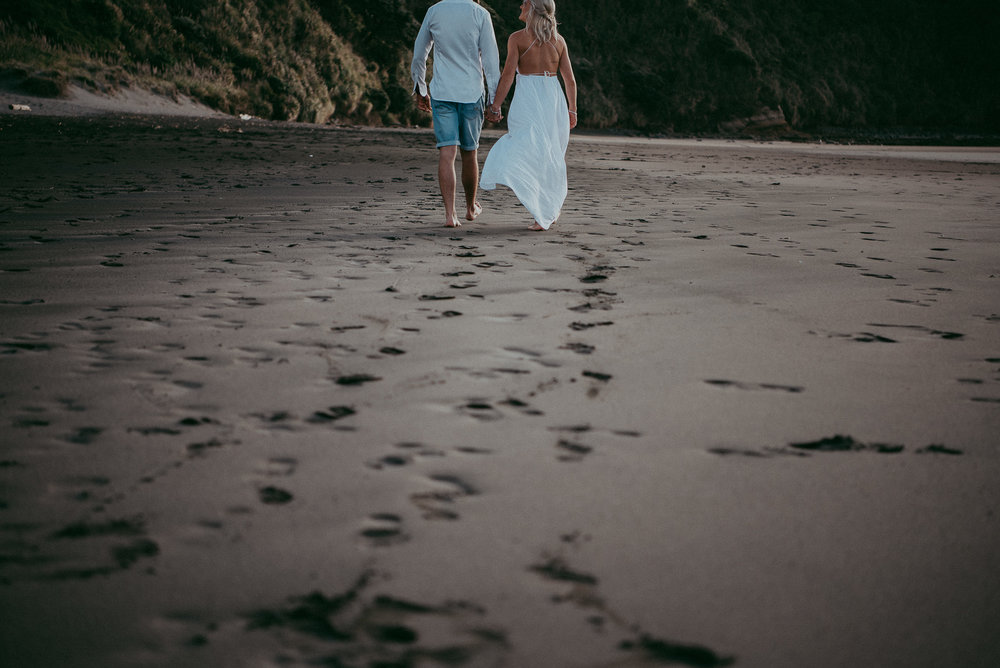 Raglan Beach pre-wedding engagement photo shoot {Auckland - Waikato wedding photographer}