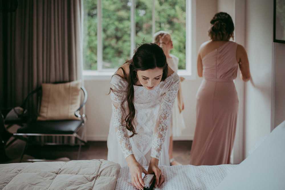Kumeu wedding - HU's Art Farm {Weddings photographers in West Auckland, New Zealand}