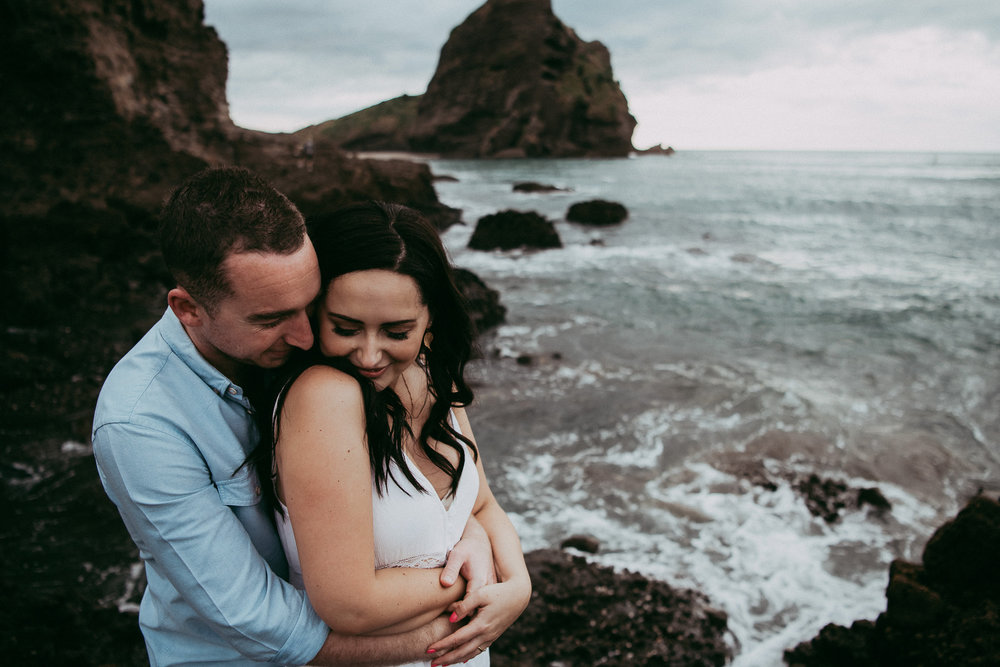 Pre-wedding | engagement session on Piha beach {West Auckland weddings photographer}