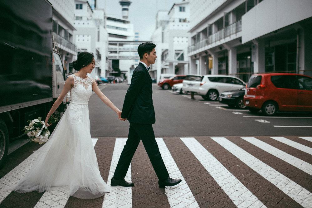 Hilton - Fish Restaurant wedding {Auckland City - New Zealand weddings photographer}
