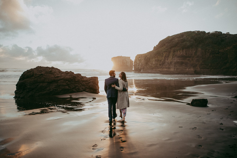 Beach pre-wedding - engagement session in New Zealand {Auckland wedding photographer}