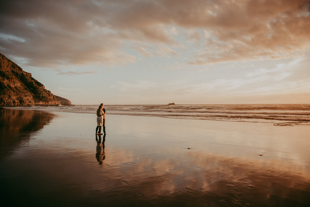 Auckland engagement session {pre-wedding photography in New Zealand} Muriwai Beach