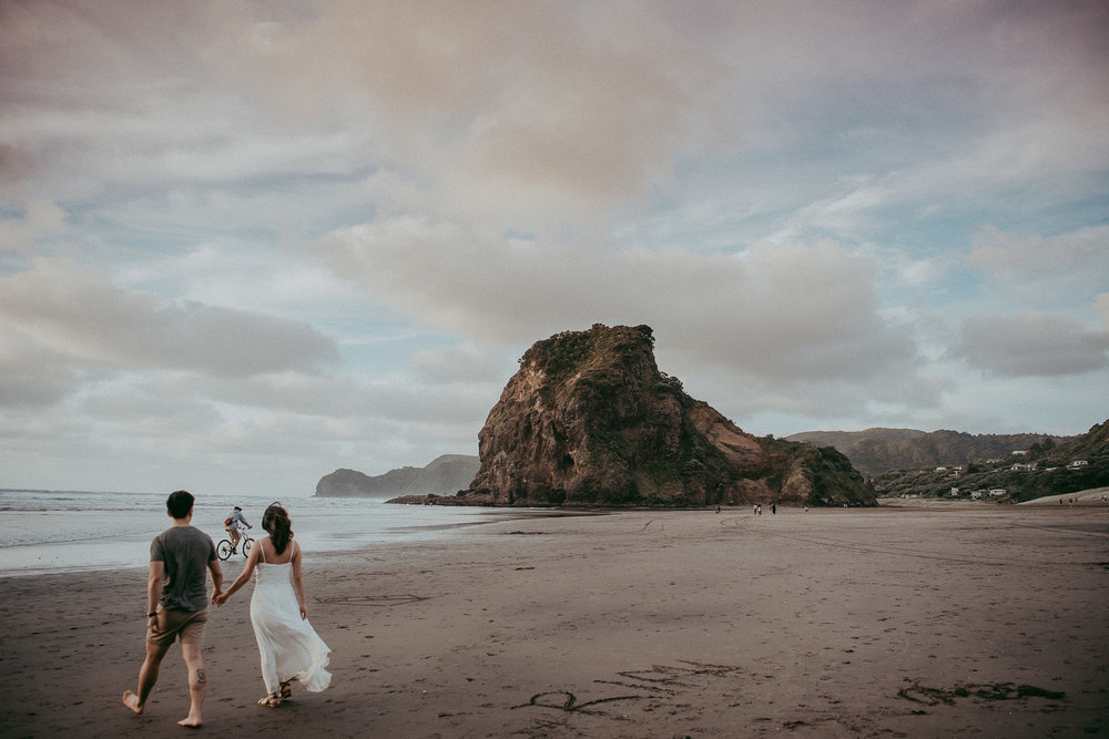 Pre-wedding | Engagement session on Piha {Auckland wedding photographers}