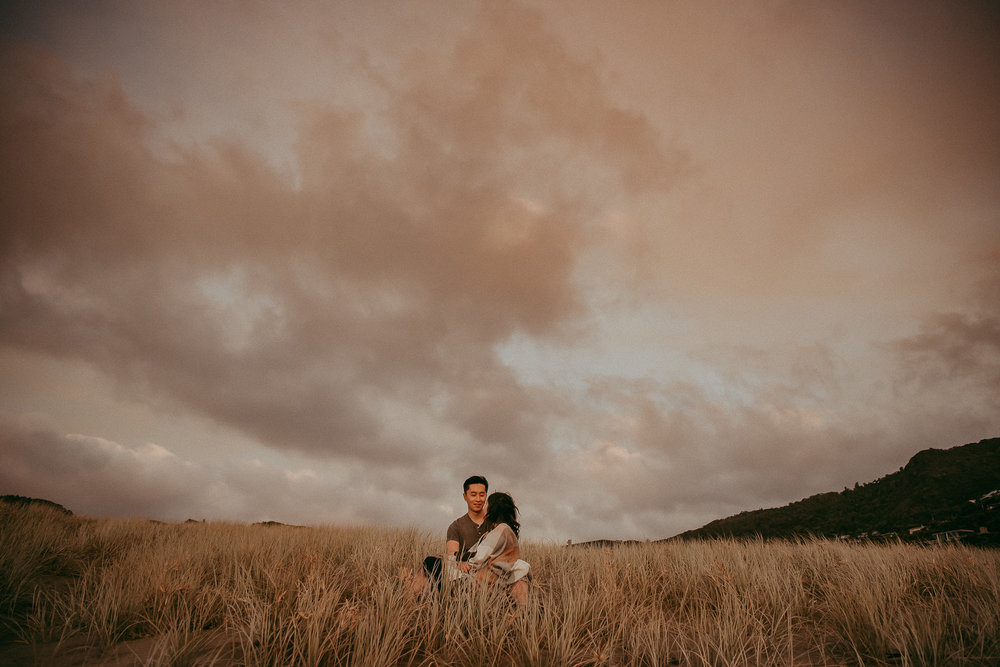 West Auckland beach engagement | pre-wedding session - NZ photographers
