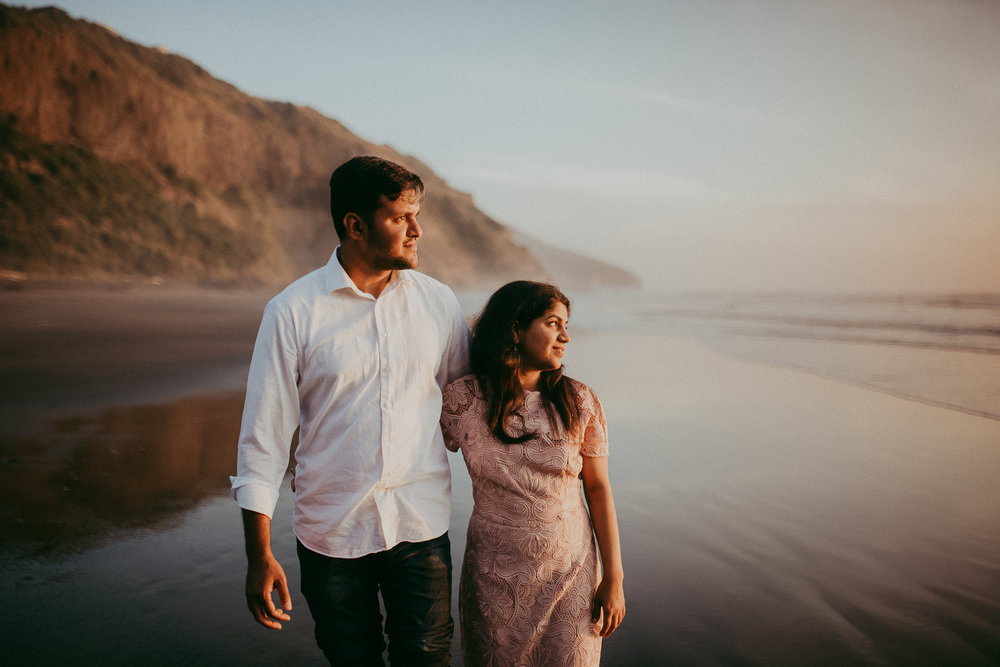 indian pre-wedding photo shoot Muriwai Beach {wedding photographer in Auckland} natural