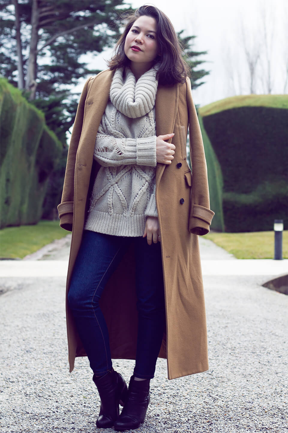 The Knit Edit Donna Karan Cashmere Lei Lady Lei