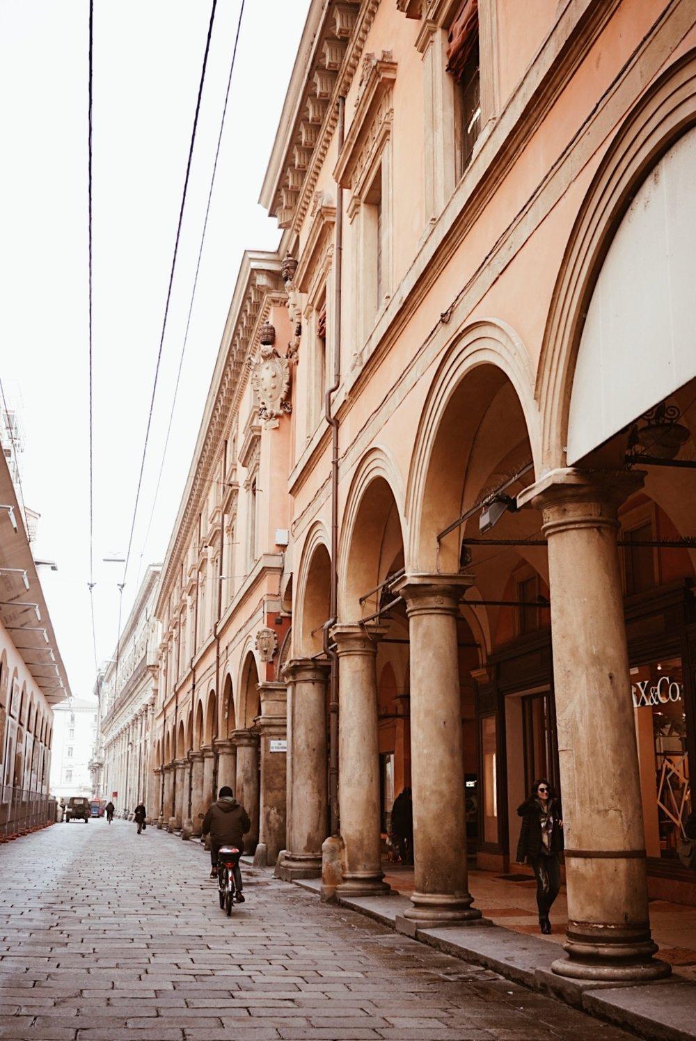 Bologna Porticoes Lei Lady Lei