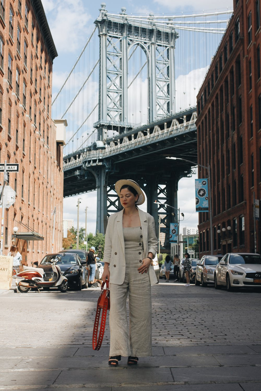 324 New York Lei Lady Lei