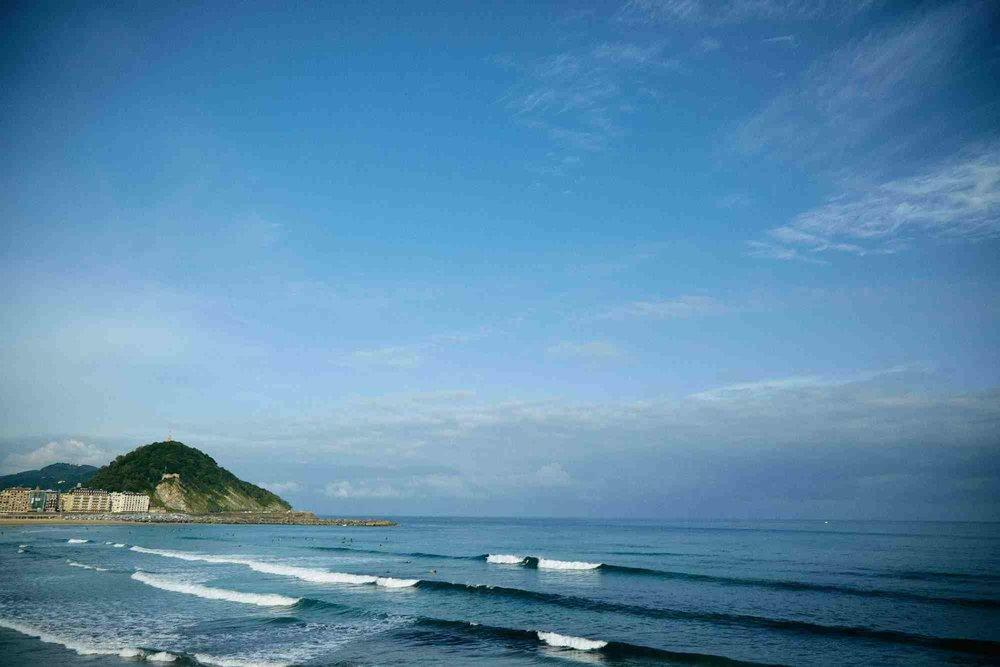 hawaiixrvca_logclassic_landscapelr_2.jpg