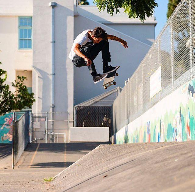 Dylan. @swankfuck_inc.🌹 . . #dylan #dylanrieder #skate #skateboarding #skater #skateboard  #skateordie #hufworldwide #slide #ride #road #skatelife  #alone #life #lifestyle  #street #downtown  #city #landscape #legend #legendsneverdie #Photography  #streetphotography #supreme  #losangeles #california #ca #usa