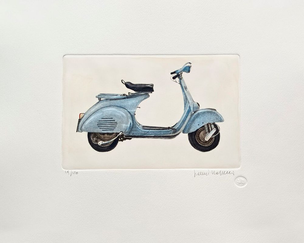 Vespa Series, Blue
