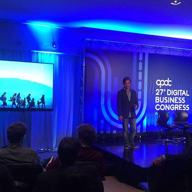 O @canoilas, o @kko755 e eu fomos ao congresso da APDC apresentar a nossa ideia para uma plataforma de emprego para refugiados. O Kiko aniquilou o palco. Orgulho 💪