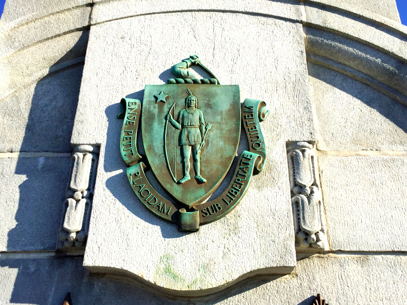 massachusetts coat of arms on the bu bridge (sonya kovacic)
