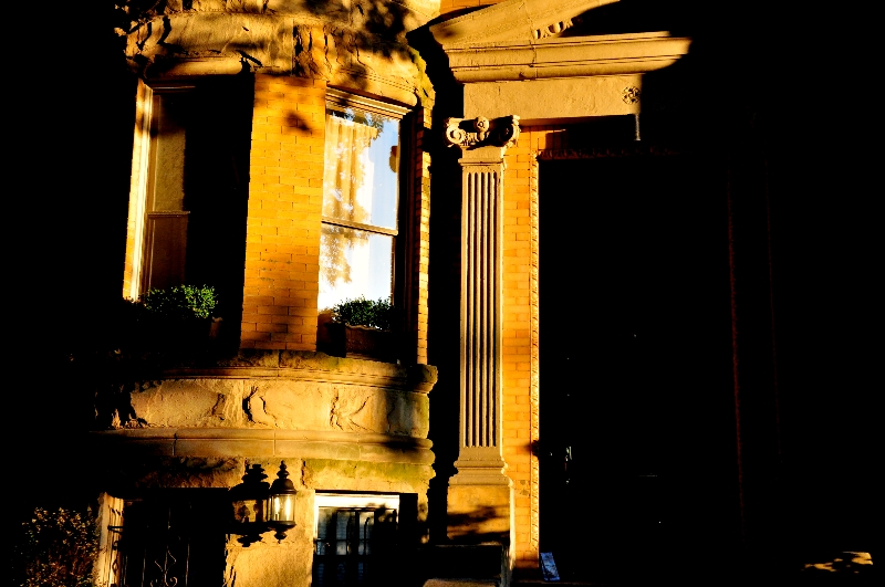 column and pediment on beacon street, brookline  (sonya kovacic)