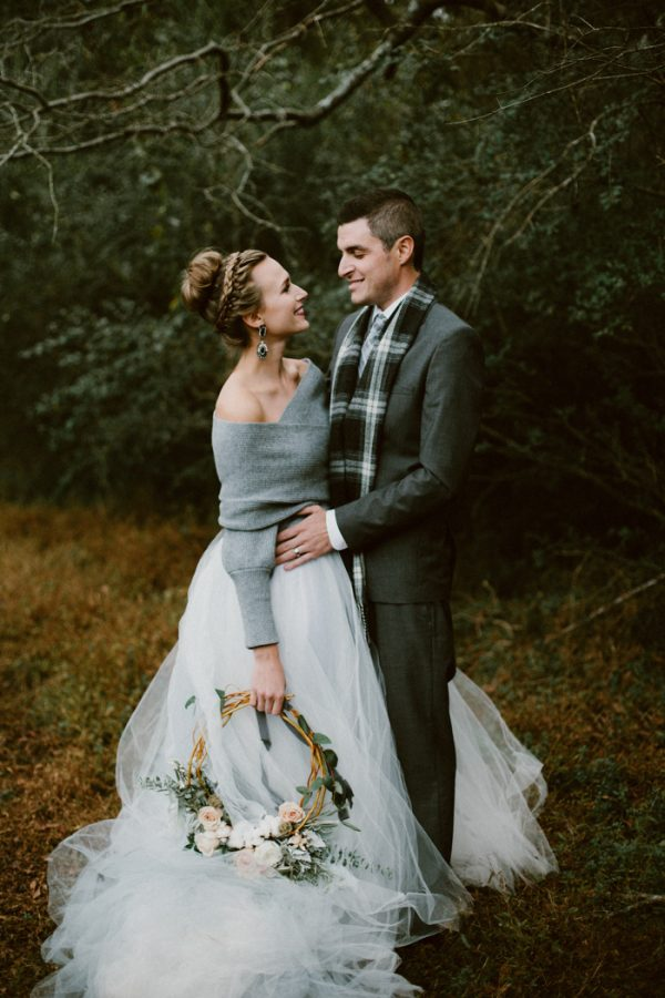 fashionably-cozy-winter-wedding-inspiration-13-600x900