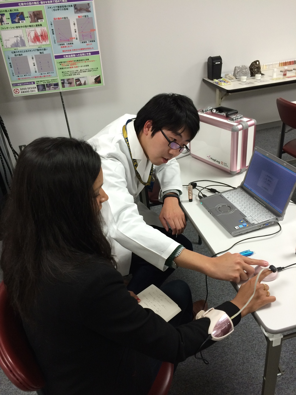 Chatting with Naoki Saito, a research scientist with the Sensory and Emotional Research Group at Shiseido, about the HapLog, which tests skin deformation during product application to give scientists a measure of how users sense its texture