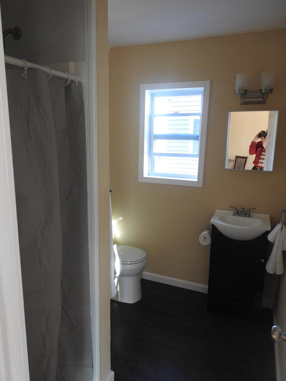 Cozy, but not too cozy, of a bathroom…