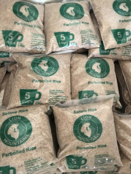 "Lion Mountains small pack rice, with our innovative ""5 Cups"" size marking."