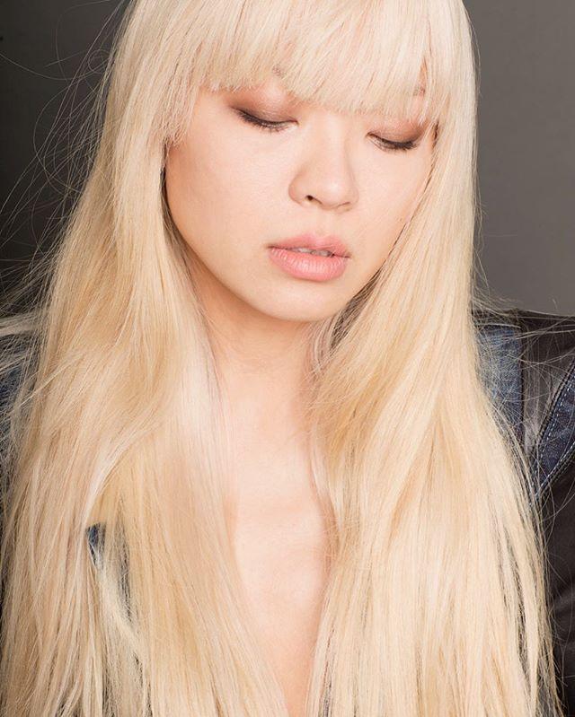Manga hair 🧝🏻♀️ #tbt #wheniwasblonde #xiaowang #asianblonde