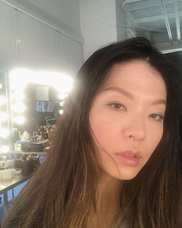 Hi 👋 forehead 💁🏻♀️ #bts #dewymakeup #xiaowang #modellife #nobangstoday