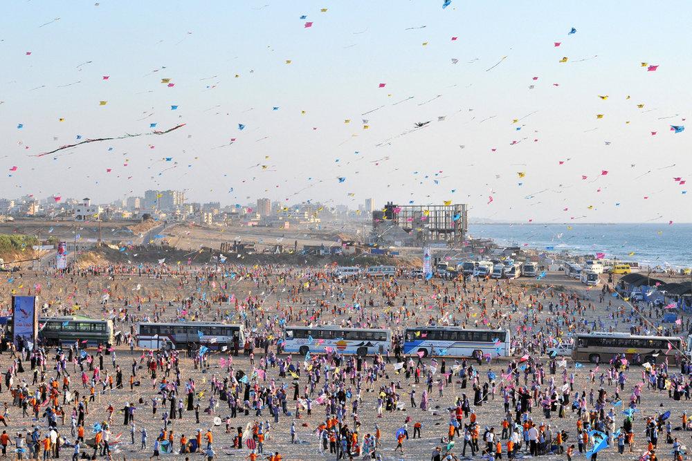 Palestinian children fly kites in Gaza. Photo: United Nations