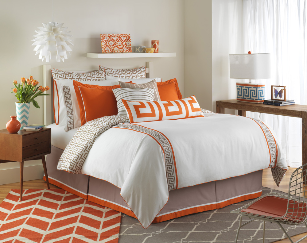 Jill's Key Comforter Set_0001.jpg