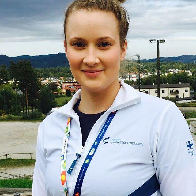 Taitavien voimistelijoiden taustalla on tietysti taitavia valmentajia! Meidän seuran Hanna toimii teamgymin maajoukkuevalmentajana ja luotsaa parhaillaan joukkueita EM-kisoissa Sloveniassa.💖💪
