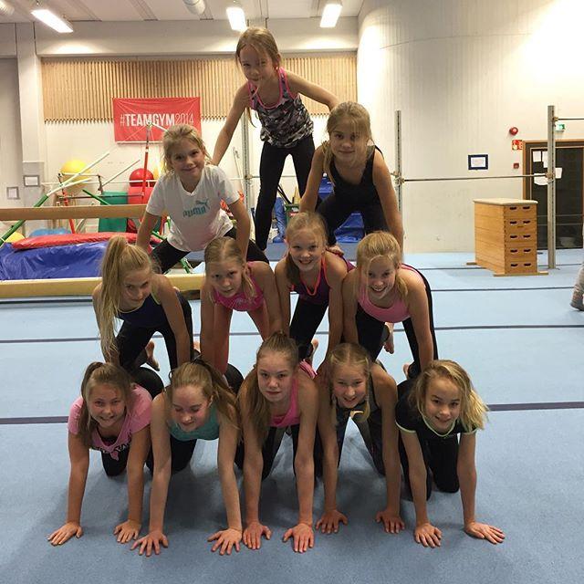 Fairies kokeili tänään harkkojen päätteeksi pyramidia! 😜💪🏻