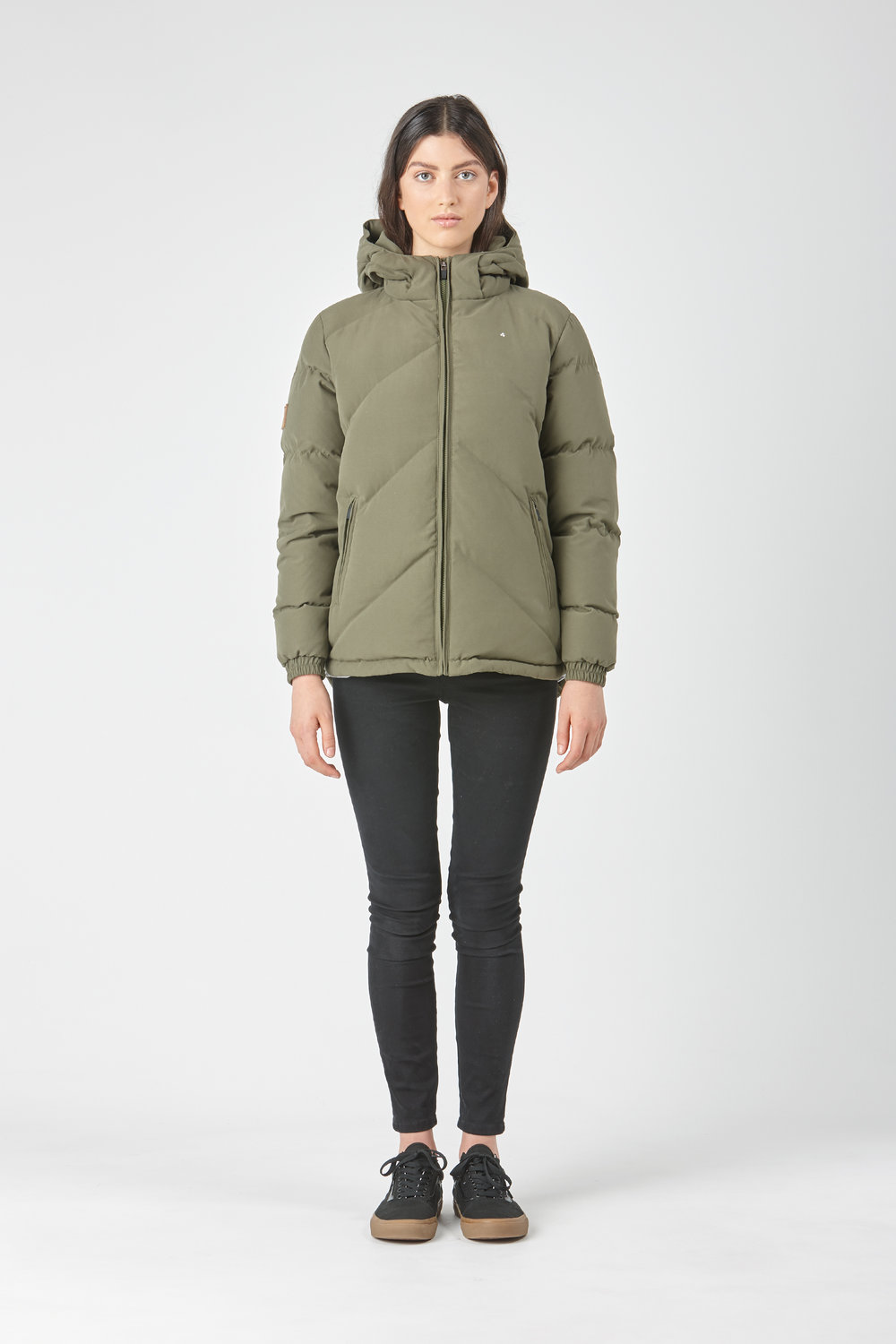 Huffer_OW-17_W-Classic-Down-Jacket_Olive-01.jpg