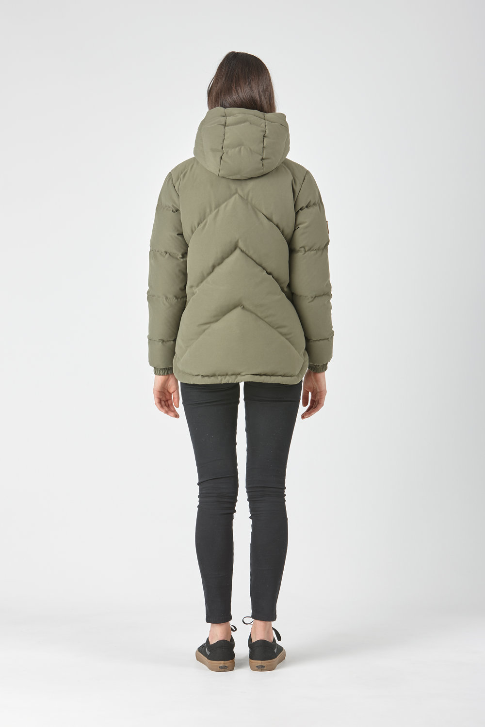 Huffer_OW-17_W-Classic-Down-Jacket_Olive-03.jpg