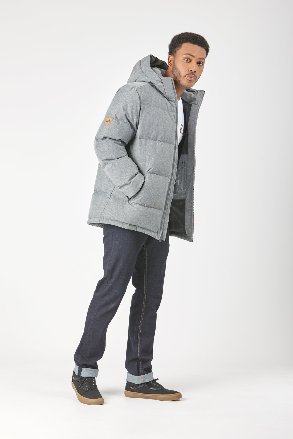 Huffer_OW-17_M-Classic-Down-Jacket_Grey-04.jpg