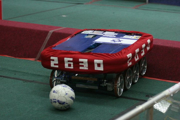 Robotocarlos  competting in atlanta