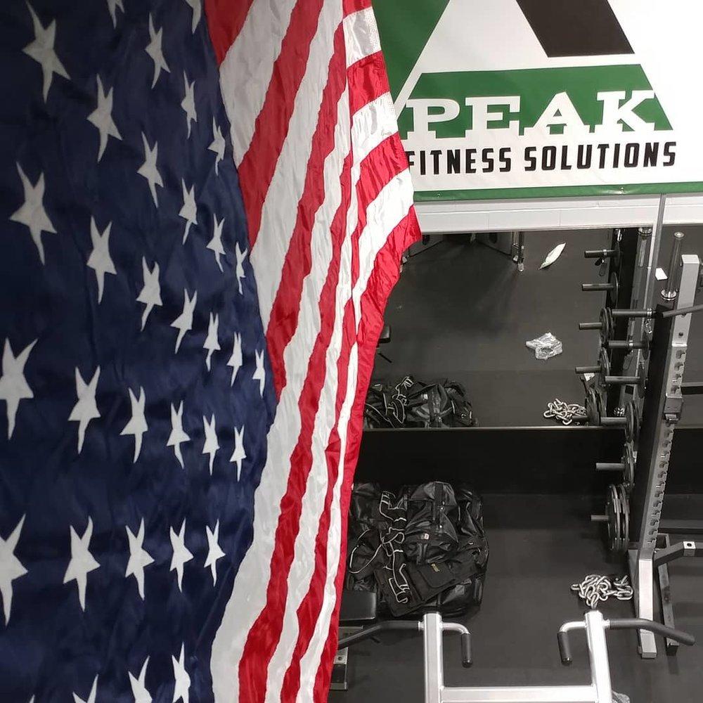 Peak America Flag Photo.jpg
