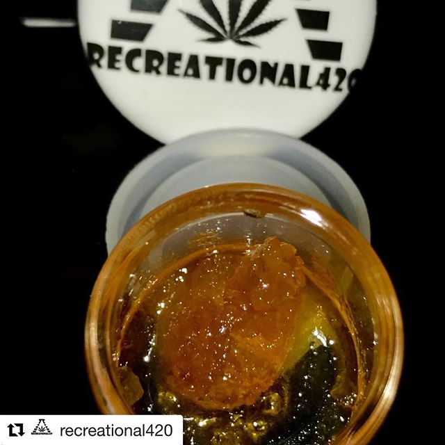 #Repost @recreational420 ・・・ Tangle x Fire Alien Urkle Live Resin By @kushvalley_wa 💦💦🤤🤤 this stuff is insane • • • • • #710 #dabs #420 #shatter #cannabiscommunity #dabbersdaily #highsociety #glassofig #weshouldsmoke #hightimes #topshelflife #710society #cannabis #dablife #bho #weedstagram #playoffs #whodat #fueledbythc #marijuana #highlife #wax #seattlestoners #wfayo #dab #kush #prop64 #weedporn #headyglass