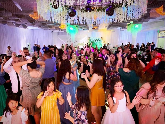 Congratulations, Tongkou and Cecilia! So great to celebrate with all 300 of your family and friends this weekend. Happy ever after to you both! 🥂 🎉 💍 #thecartellegrp