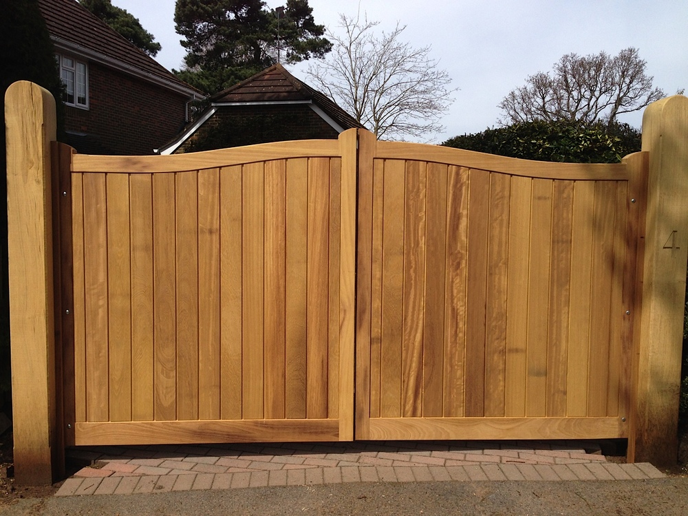 Chelsea Gates in Iroko