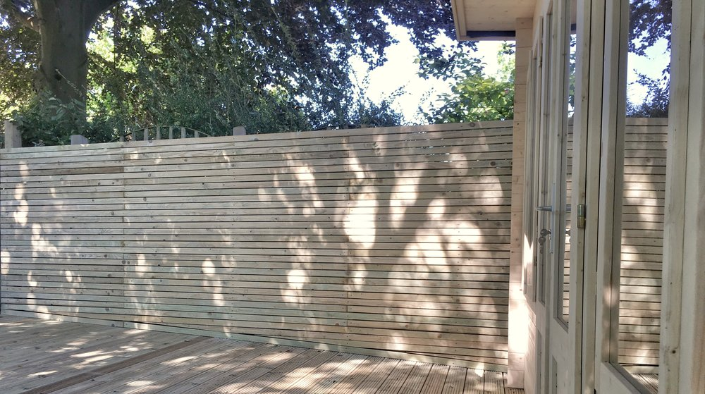 Contemporary Horizontal Fencing