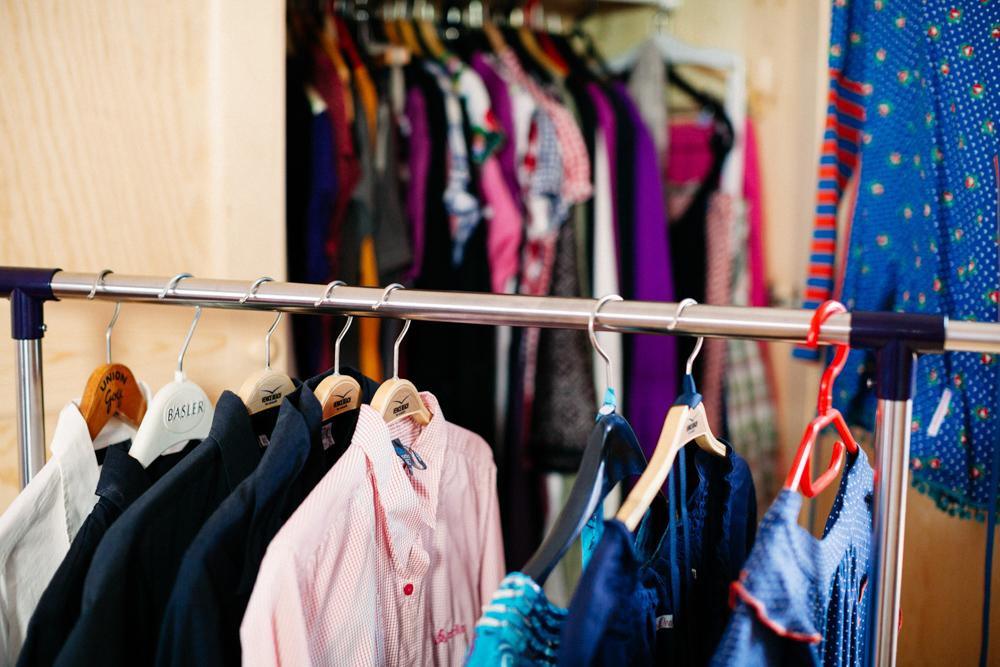 Kleiderschrank-Aufräumaktion