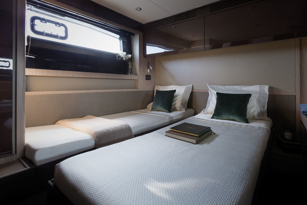 A51 VIP Cabin Sliding beds 1.jpg