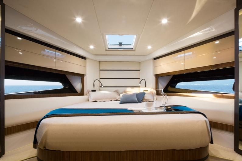 79_20150130131116_a43_master_cabin.jpg