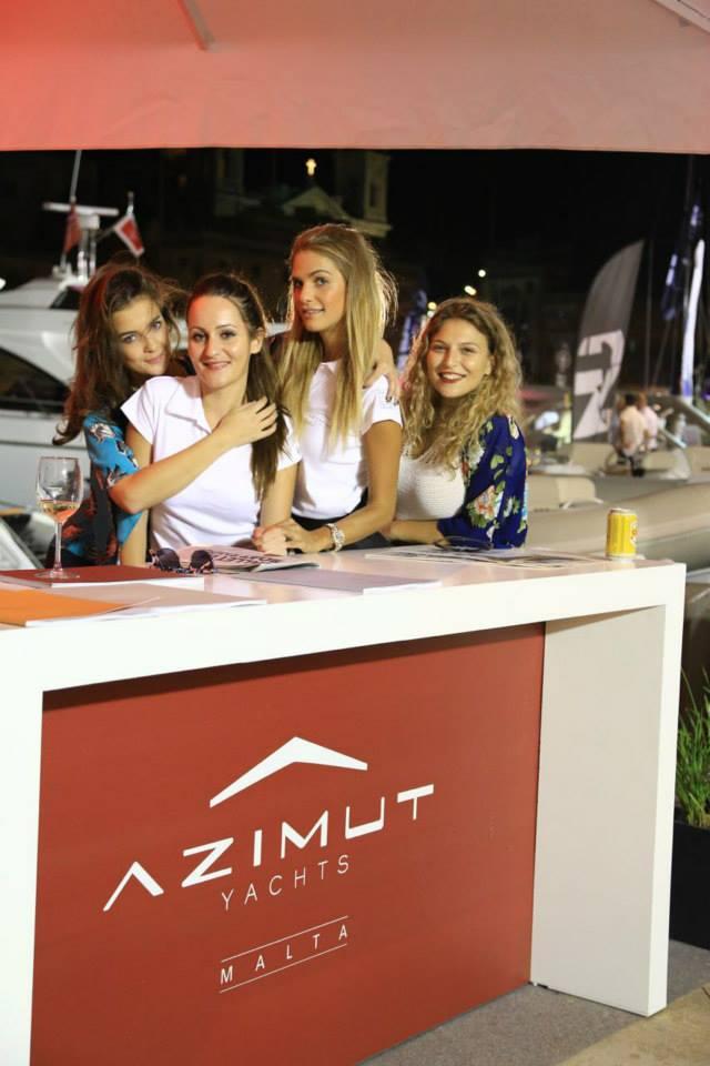 azimut girls.jpg