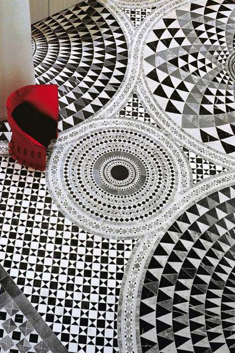 Gorgeous black and white floor tile mosaic.